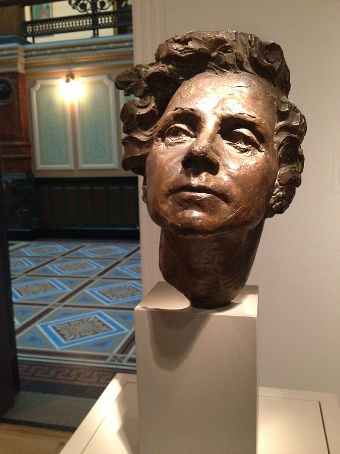 Bronze sculpture of Rachel Carson