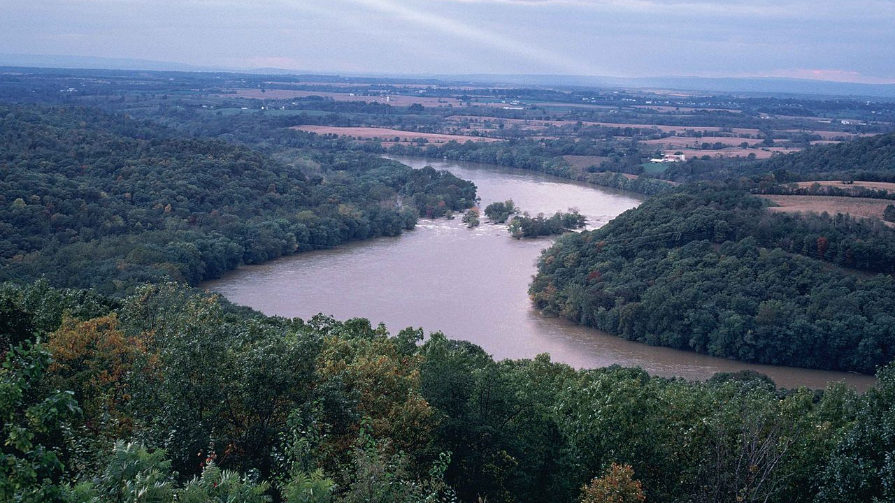 Photo by Stihler Craig, U.S. Fish and Wildlife Service via wikimedia.org